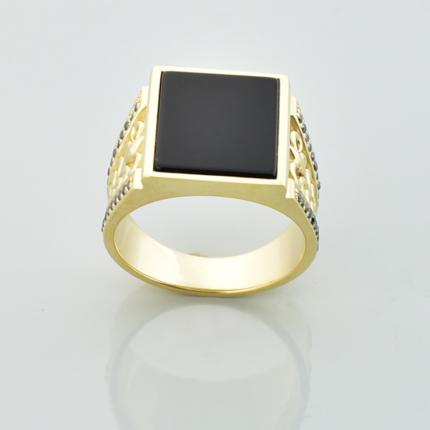 Złoty sygnet z czarnym onyksem i czarnymi diamentami
