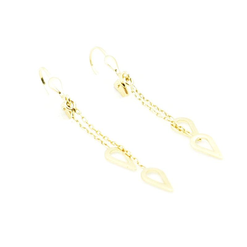 Delikatne i eleganckie złote kolczyki.