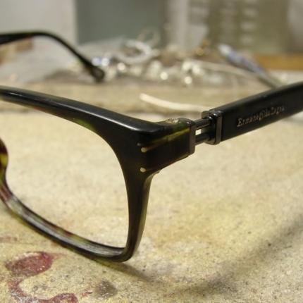 Zdjęcie nr. 2 Klejenie okularów z elementem metalowym