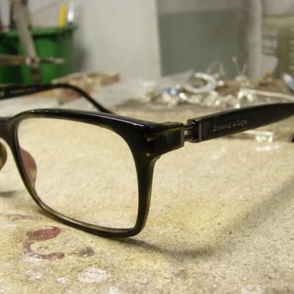Zdjęcie nr. 1 Klejenie okularów z elementem metalowym