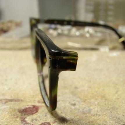 Zdjęcie nr. 6 Klejenie okularów z elementem metalowym