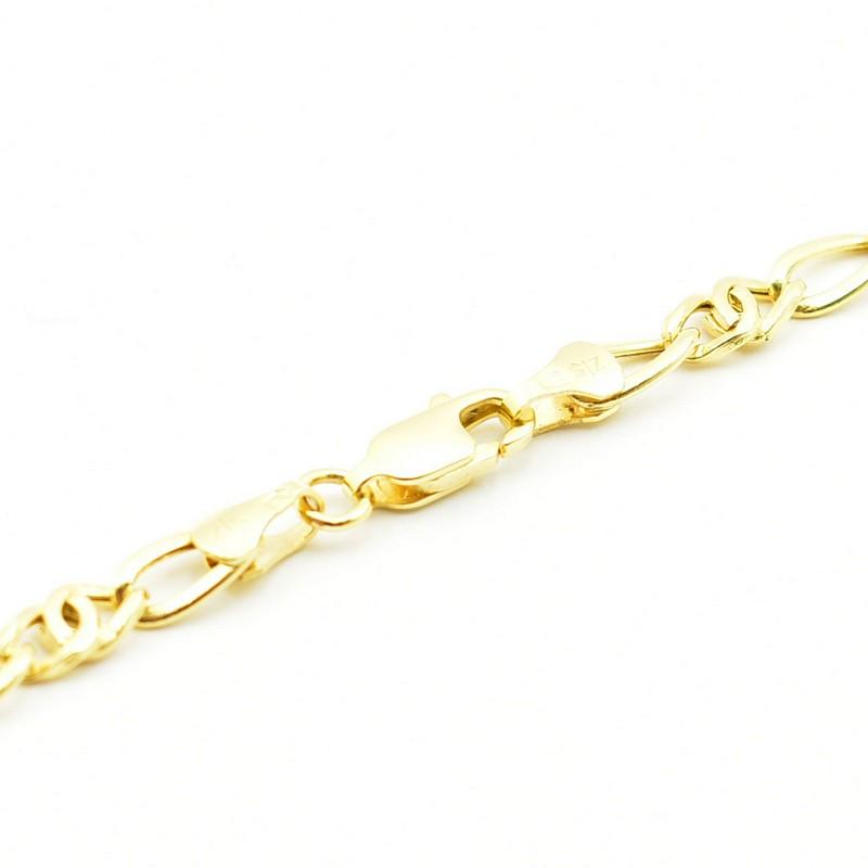 Elegancki złoty łańcuszek.