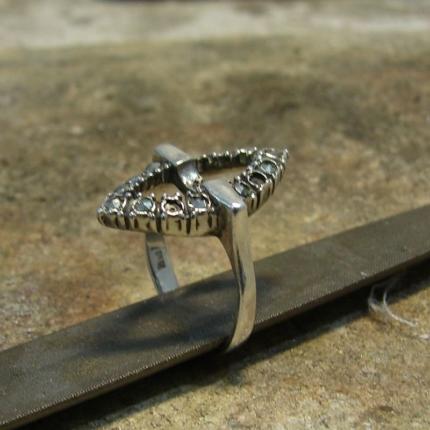 Zdjęcie nr. 1 Renowacja srebrnego pierścionka z perłą i markazytami