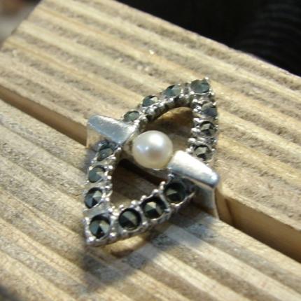 Zdjęcie nr. 11 Renowacja srebrnego pierścionka z perłą i markazytami