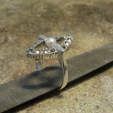 Zdjęcie nr. 14 Renowacja srebrnego pierścionka z perłą i markazytami