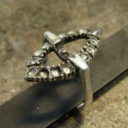 Zdjęcie nr. 3 Renowacja srebrnego pierścionka z perłą i markazytami