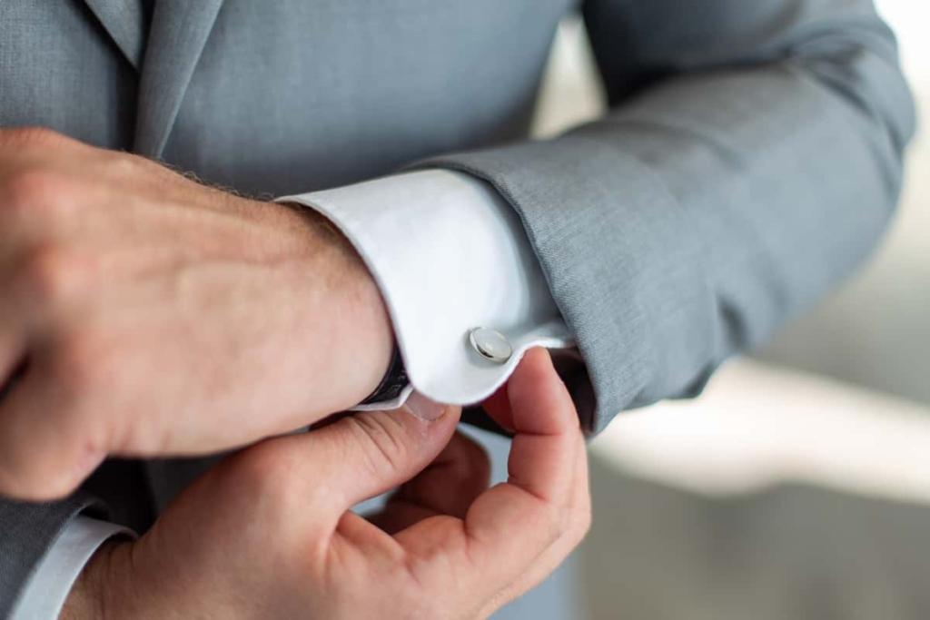 Spinki do mankietów - najbardziej tradycyjny prezent na dzień ojca.