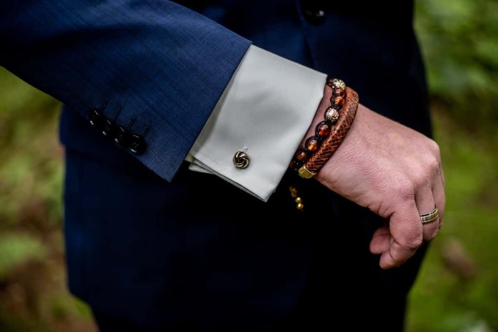 Biżuteria dla mężczyzn świetnym pomysłem na prezent na dzień ojca.