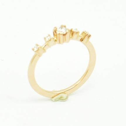 Ręcznie wykonany pierścionek.