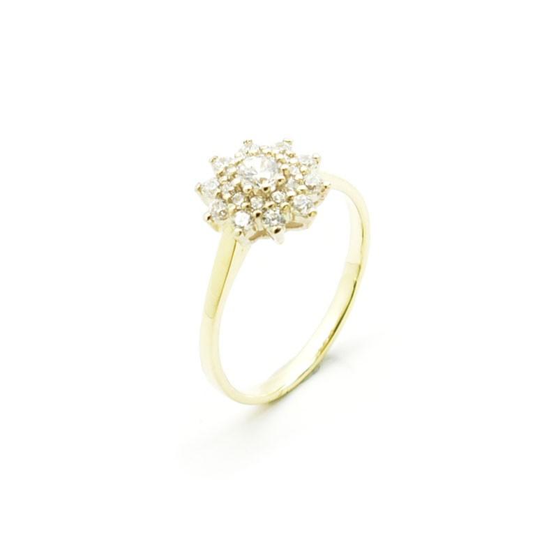 Elegancki złoty pierścionek z cyrkoniami.